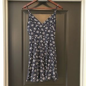 NWT! Showpo Dress Navy & White Women's Size 8